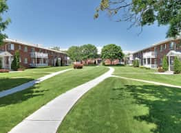 Lake Grove Apartments - Lake Grove