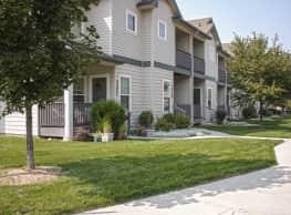 Fallingbrook Townhome Apartments - Boise