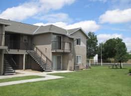 College Park Apartments - Dinuba