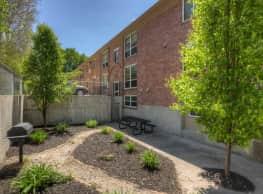 Auburn Apartments - Omaha