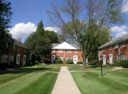 Colonial Court Apartments & Townhomes - Birmingham