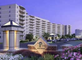 Plaza Apartments - Jenkintown