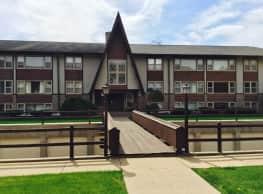 Chalet South - Cedar Rapids