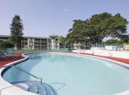 Lake Delray Apartments - Delray Beach