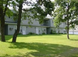 Woodland Village Townhomes - Saint Cloud
