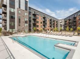 V2 Apartments - Saint Paul