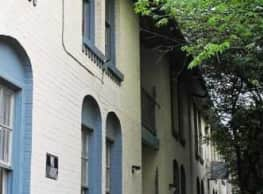 Villa de Oro Apartments - Dallas