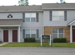Whispering Pines Apartments - Bellefontaine