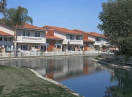Surfside Villas - Huntington Beach