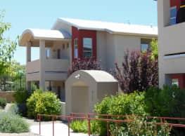 new large apartment  close to UNM/ freeway access - Albuquerque