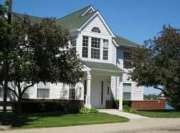 Crystal Lake Apartments - Pontiac