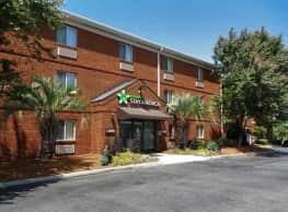Furnished Studio Charleston Apartments