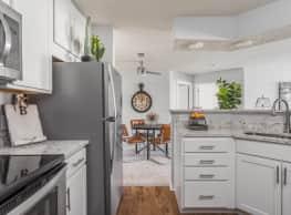 Steeplechase Apartments - Bloomington