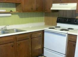 Mayberry Apartments - Mount Airy