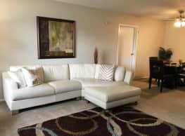 Tamarac Apartments - Willoughby