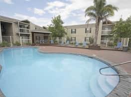 Baywood Apartment Homes - Gretna
