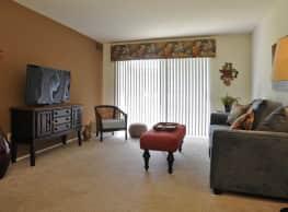 Fox Pointe Apartments - East Moline