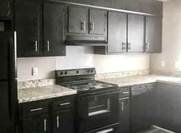 Stratford Arms Apartments - Savannah