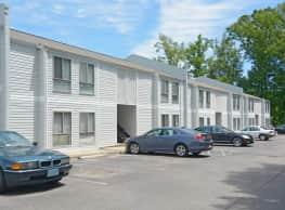 Quail Oaks Apartments - Petersburg