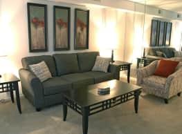 Warson Village Towne House Apartments - Creve Coeur