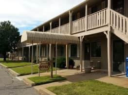 Huntington Place Apts - Wichita