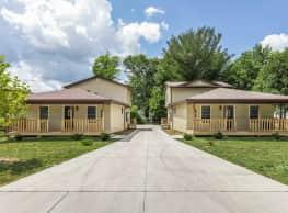 Regency Court Apartments - Bloomington