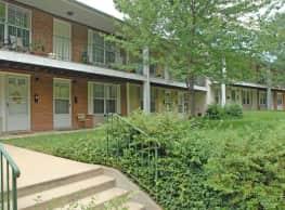 Lake Falls Apartments - Govans