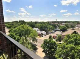 Evergreen Apartments - Hutchinson