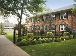Fairfield Courtyard at Hewlett - Hewlett