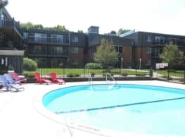 Aquarius Apartments - Roseville