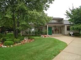San Remo Villa Apartments - Harrison Township