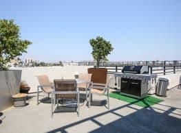 Bella Mare 6th St Lofts - Long Beach