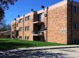 909 Apartments - Jamestown