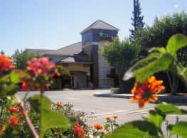 Furnished Studio - Sacramento - South Natomas - Sacramento
