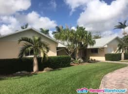 Beautiful Single Family home on over an acre of... - Homestead