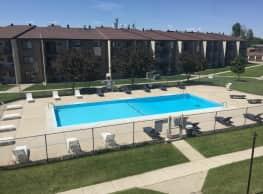 South Pointe Apartments - Fargo