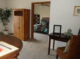 The Shores Apartments - Wichita
