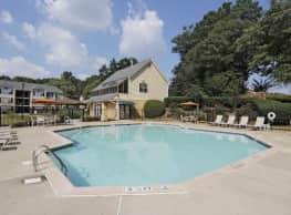 880 Lakeside Apartments - Marietta