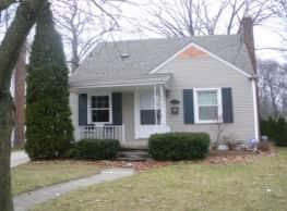 Sharp Updated House in Royal Oak - Royal Oak