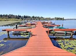 Villaggio On Yarrow Bay - Kirkland