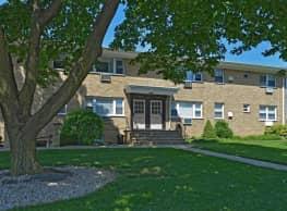 Village Arms Apartments - Phillipsburg