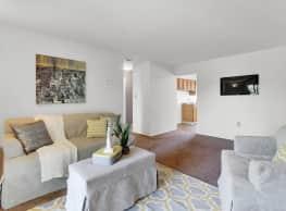 Colonial Glen Apartments - Harrisburg