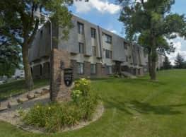 Eagle Pointe Apartments - West Saint Paul