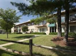 Barcroft Plaza - Falls Church