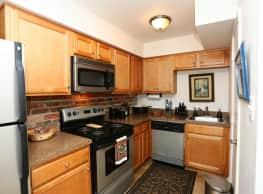 The Jamestown Apartments - Newport News