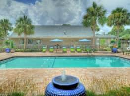 Weston Square Apartments - Gainesville