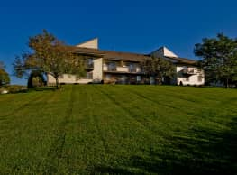 Pine Cove Apartments - Oregon