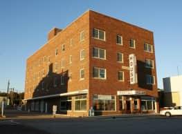 Porter House Apartments - Beloit
