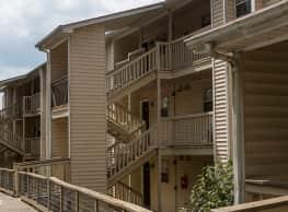 Landmark at Lyncrest Reserve Apartment Homes - Nashville