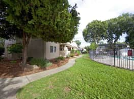 Willow Creek Apartments - Chico